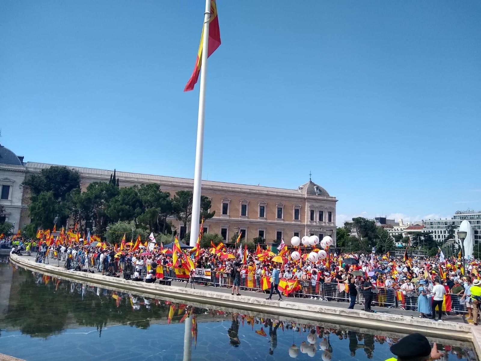EuropaPress_3777221_mas_mil_personas_concentran_ya_1100_horas_madrilena_plaza_colon_proetestar